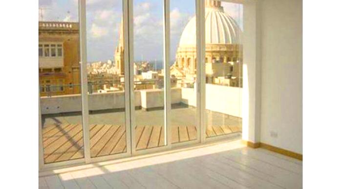 HomeRefreshing - Vista cupola dal soggiorno