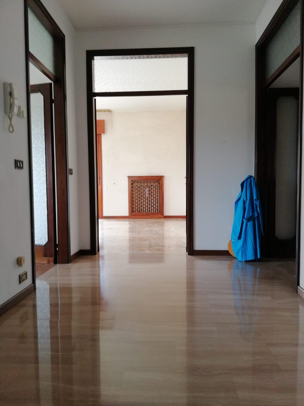 appartamento prima dell'home staging